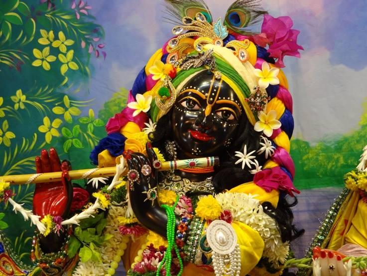 ISKCON Nigdi Deity Darshan 18 Dec 2015 (20)