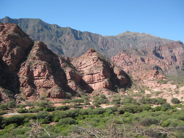 We took the same road back to Salta.  They had the same rocks 2 days later.