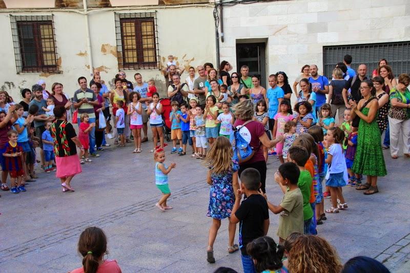 Festa infantil i taller balls tradicionals a Sant Llorenç  20-09-14 - IMG_4357.jpg