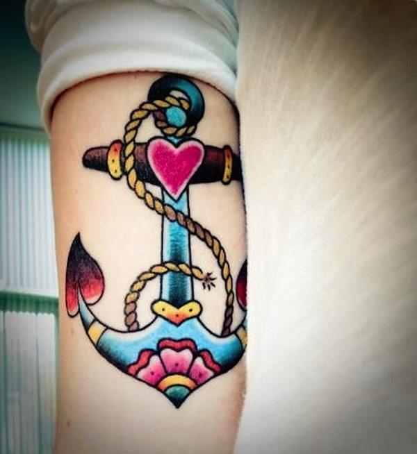 colorido_ncora_tatuagem_com_o_coraço