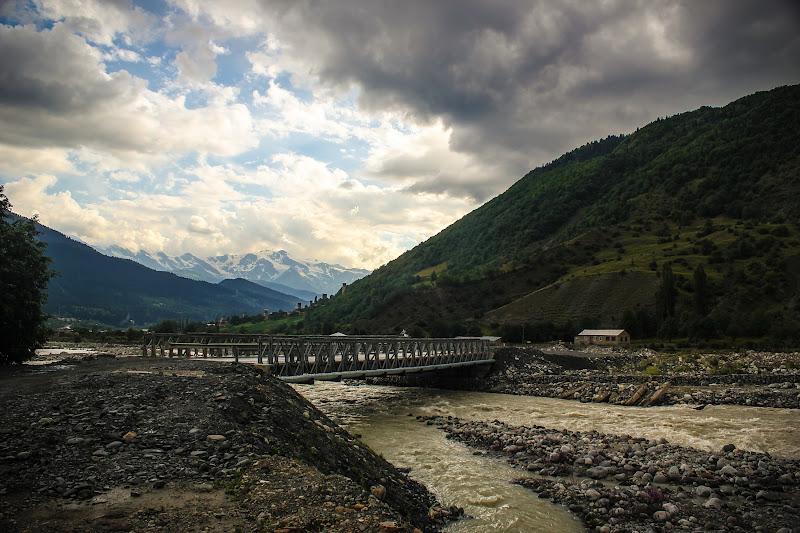 Автомобильный мост над Местиачалой