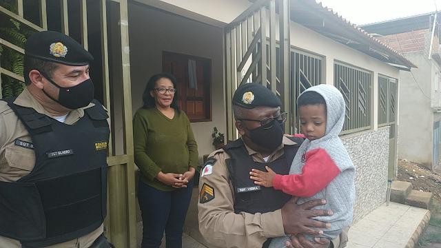 Polícia Militar de Divino visita o pequeno Heitor - Saiba mais sobre essa bela ação
