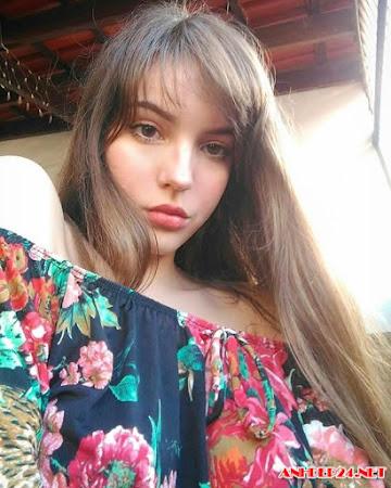 Thiếu nữ tuổi 17 sở hữu vẻ đẹp bốc lửa vạn người mê
