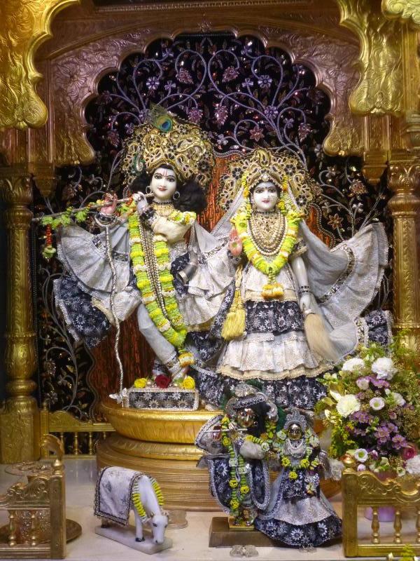 ISKCON Bhaktivedanta Manor Deity Darshan 16 Dec 2015 (1)