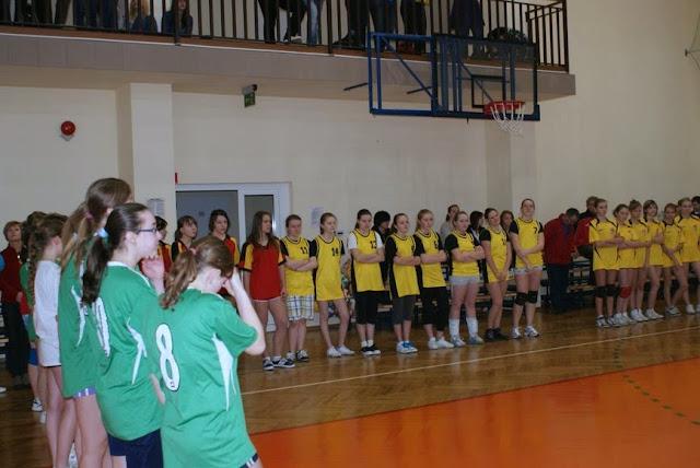 Zawody siatkarskie dziewczat 1 marca 2011 - DSC09281_1.JPG