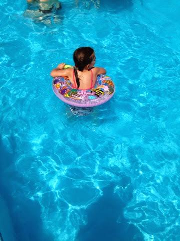 Petites marionnettes ce r ve bleu en gr ce vacances for Reve bleu piscine