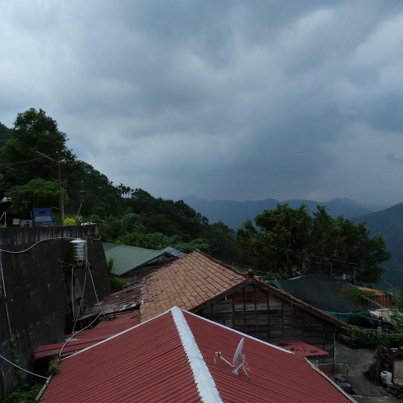 Puli  en passant , entre autres, par les villages de l ethnie Bunum de Loloko et Dili. J 10 - P1170126.JPG