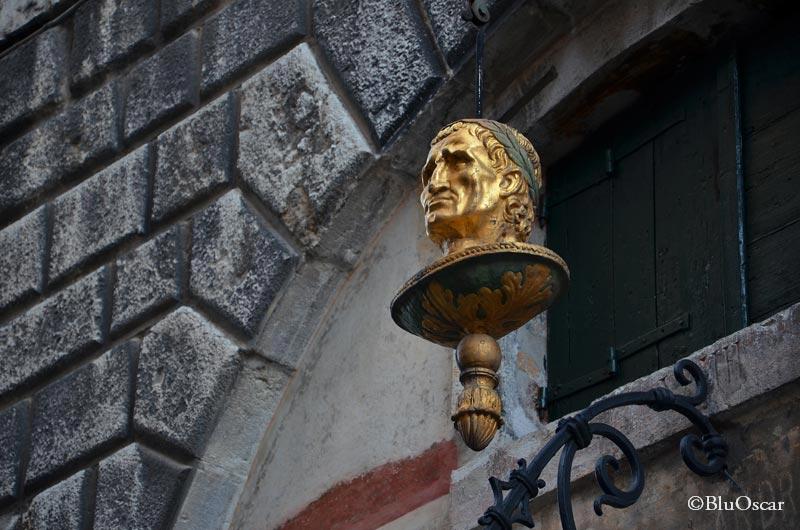La testa d oro N 2