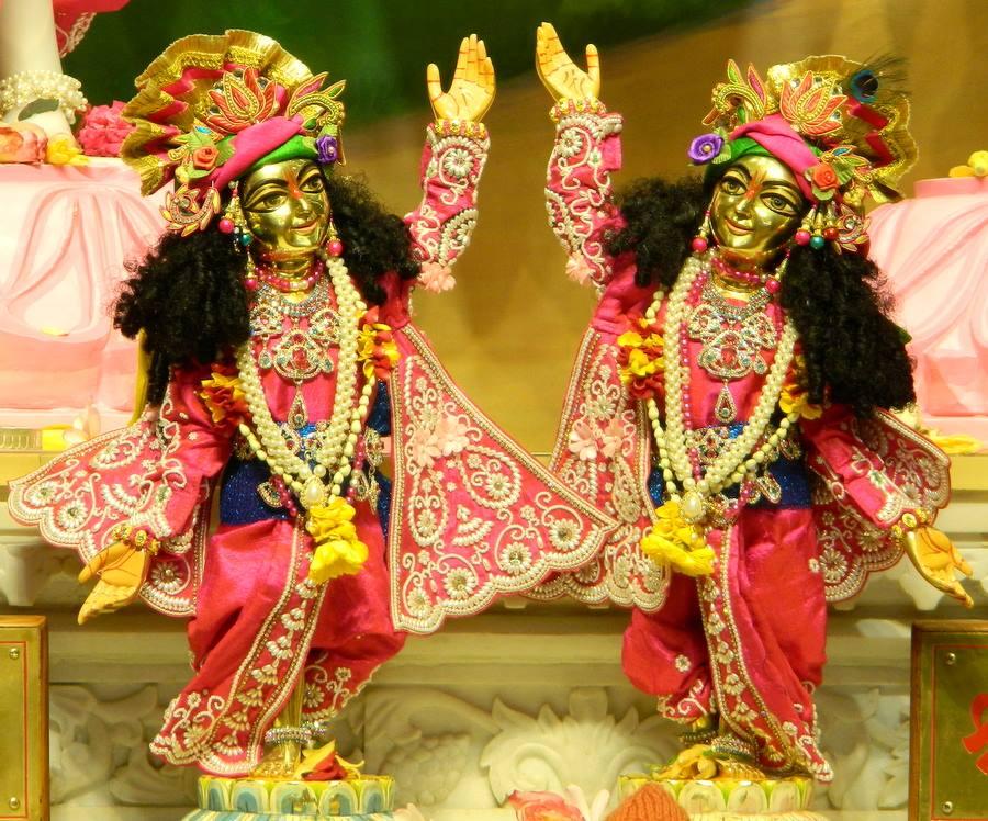 ISKCON Pune NVCC Deity Darshan 08 Jan 2017 (3)