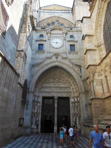 Puerta de entrada a la Catedral