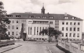 St Antonius Krankenhaus Wadgassen andere Sicht.jpg