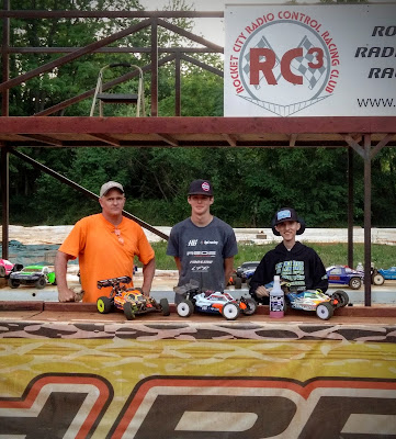 1/8 Nitro Buggy - 1st: Jeremy Reid, 2nd: Tyler Parrish, 3rd: Brian Potts