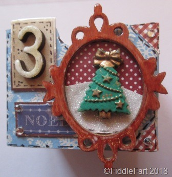 [christmas+tree+advent+drawer%5B7%5D]
