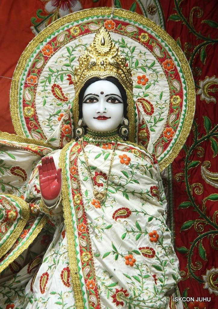 ISKCON Juhu Mangal Deity Darshan on 28th June 2016 (12)