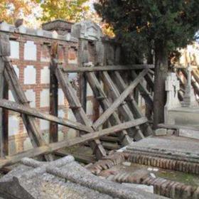 Los 12 cementerios y dos tanatorios de Madrid requieren 24 millones de inversión