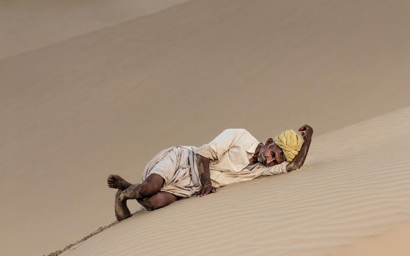 The camel driver's rest di Marco Tagliarino