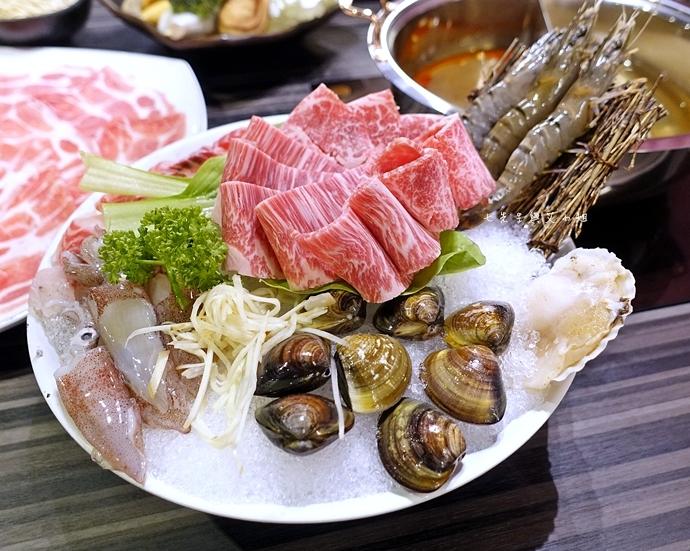31 丰明殿 信義殿 超大肉盤 涮涮鍋 痛風海鮮盤