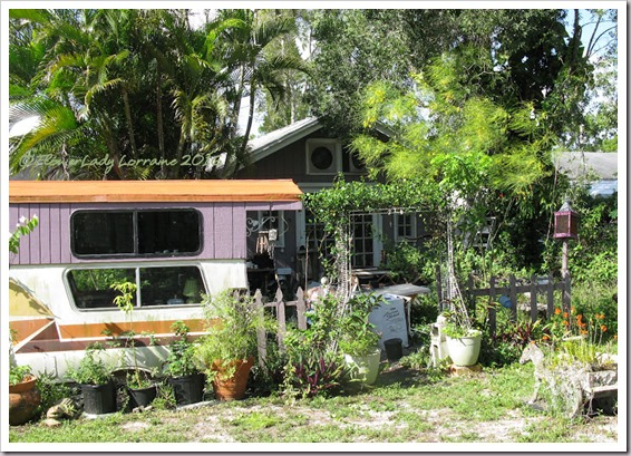 06-17-caravan-garden3