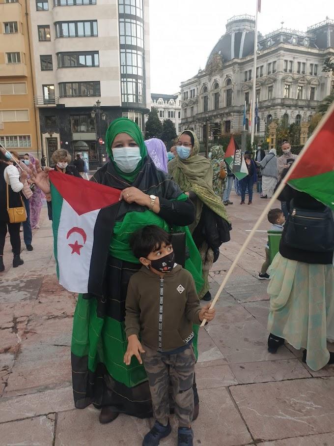 Manifestaciones en Oviedo (Asturias) en defensa de la causa saharaui.