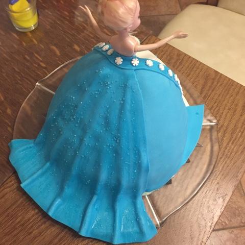 Prinzessinnentorte für Frozen-Geburtstag
