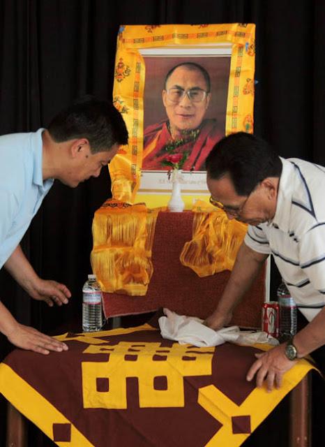TAW celebrating H.H the Dalai Lama Bday at Magnuson Park 2011 - 0115%2BB%2B72.jpg