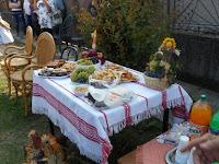 002 Az ősz színei az asztalokon.jpg