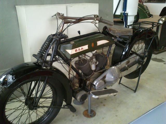 Motocicleta en Autoworld
