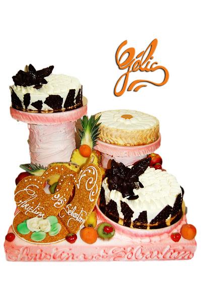 cascade-3-gâteaux-fruits-coeurs-ptte.jpg
