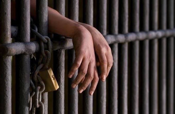 Policía Nacional captura hombre momentos en que asaltaba banca de apuesta en Moca; el mismo tiene amplio prontuario delictivo.