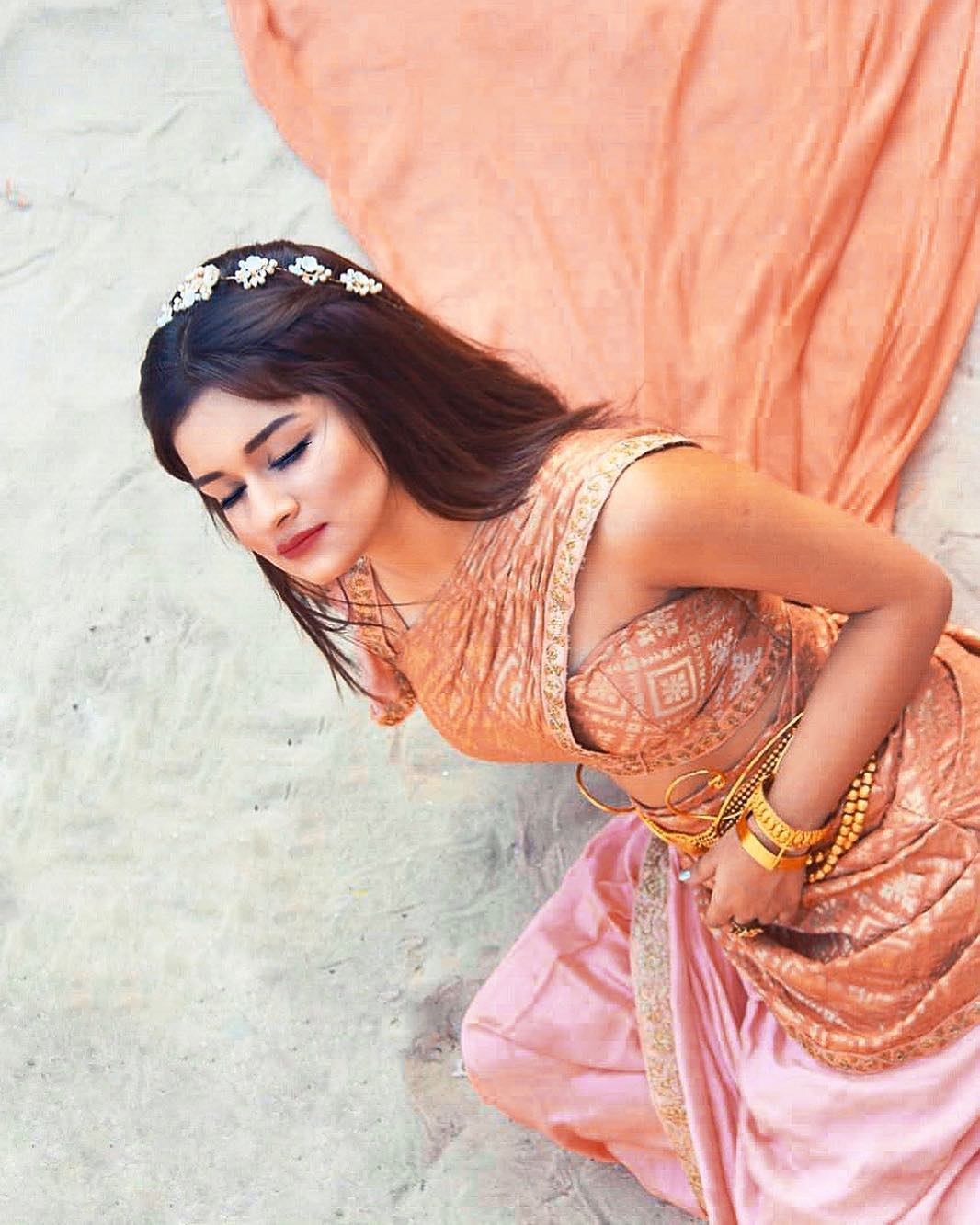 Anushka sen cute and hot bollywood Indian actress model unseen latest very beautiful and sexy wedding smile images of her body curve south ragalhari navel armpit juicy lips web series tv serials girl viral pics saari and bikini booty thigh photos of Instagram pragnent santabanta wallpapers collection.