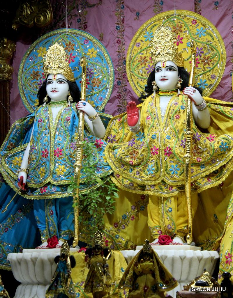 ISKCON Juhu Mangal Deity Darshan on 19th Oct 2016 (3)