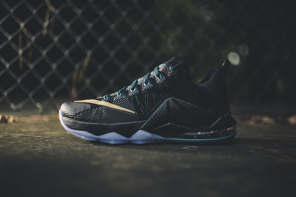 detailed look 12c1e 51c44 ... Dark SVSM LeBron 12 Low Drops on September 3rd ...