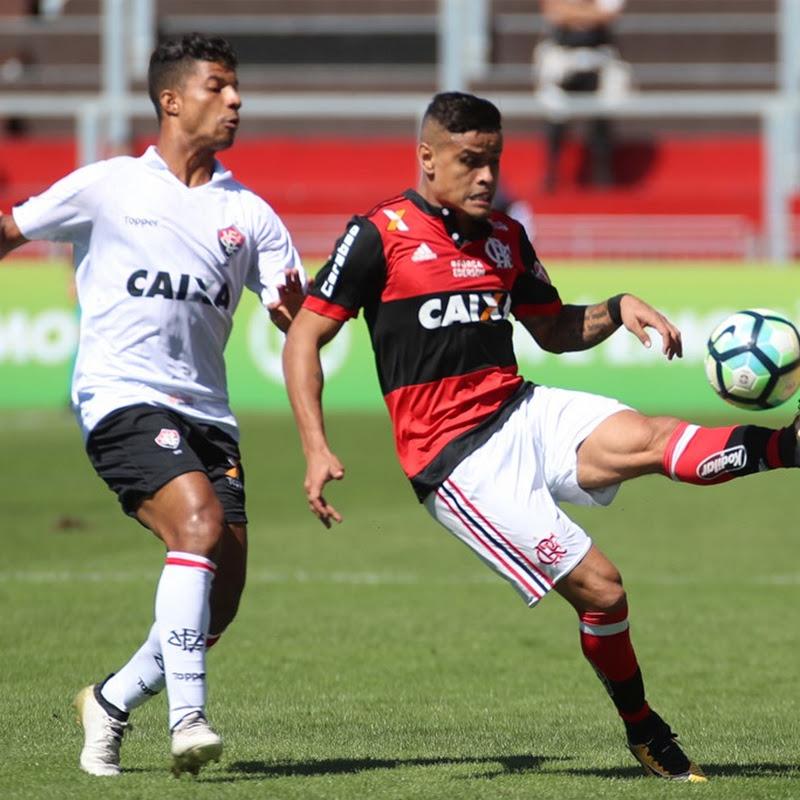 Fora de casa, Vitória bate o Flamengo por 2 a 0