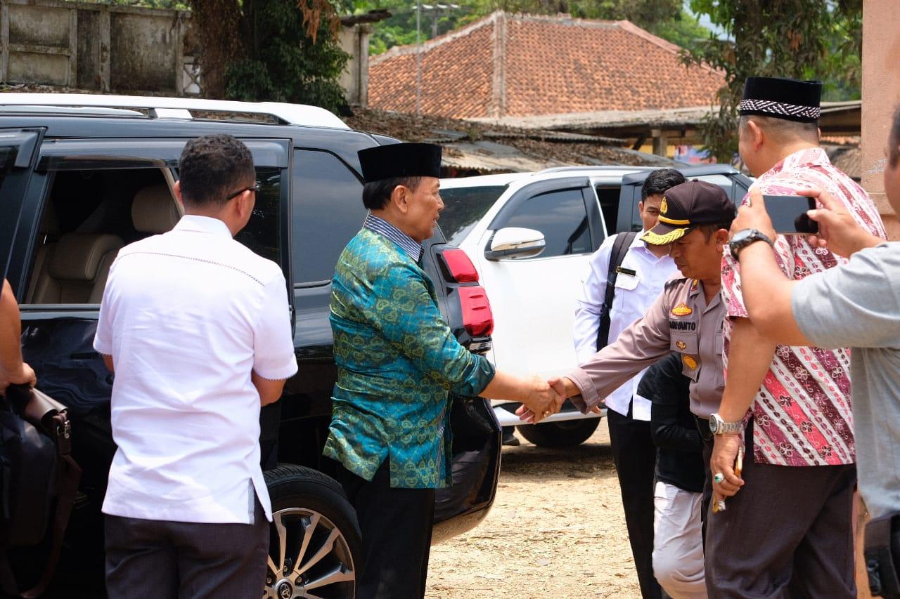 Usai Hadiri Peresmian Kampus Wiranto Menkolhukam RI  Ditusuk OTK