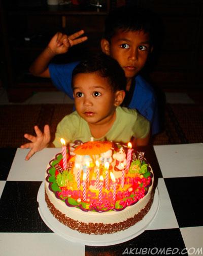 Selamat Hari Lahir abang Ngah dan Baby Aslah