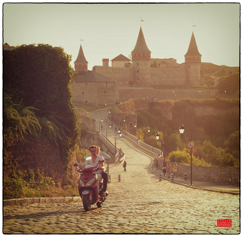 Каменец-Подольский, на подъездах к Старой крепости. фото: Андрей Турцевич