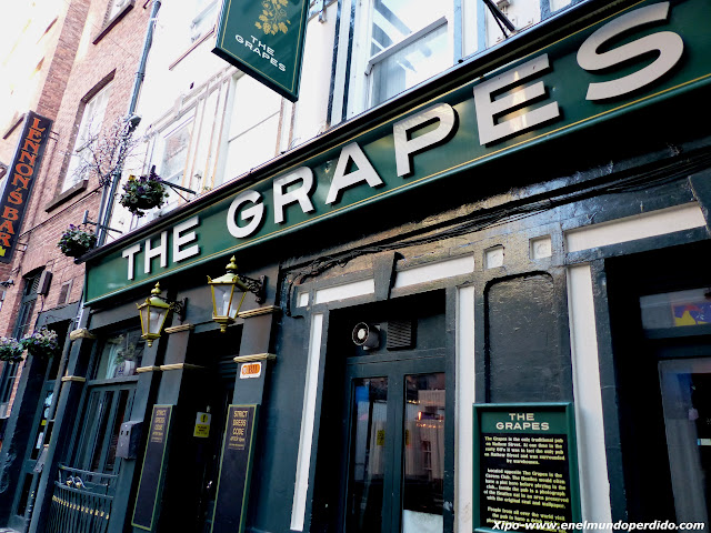 the-grapes-liverpool.JPG