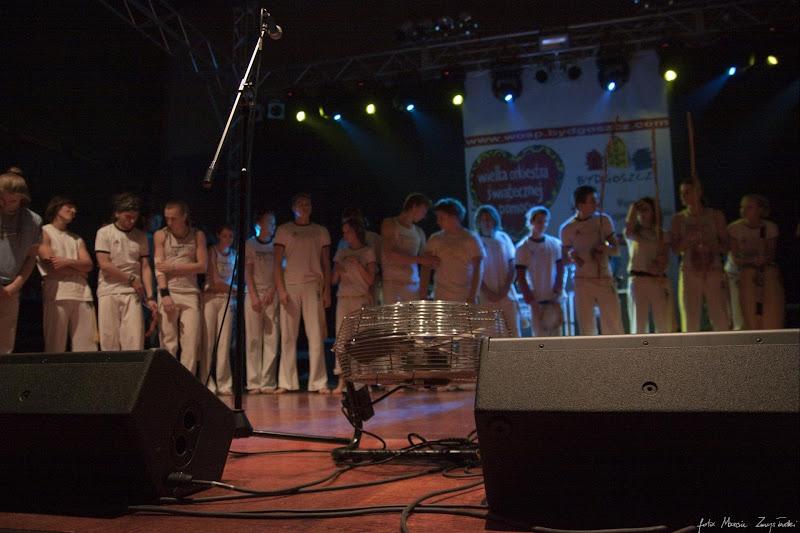 Foto galeria zdjęć koncerty śluby wesela Zmysłowski 2010-01-10 - grupa Capoira na WOSP