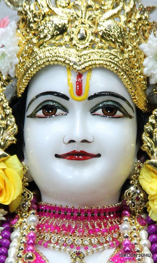 ISKCON Juhu Sringar Deity Darshan on 24th Oct 2016 (59)