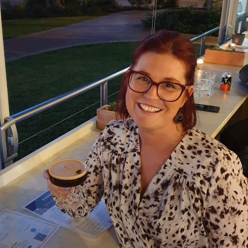 user Vanessa Knoke apkdeer profile image