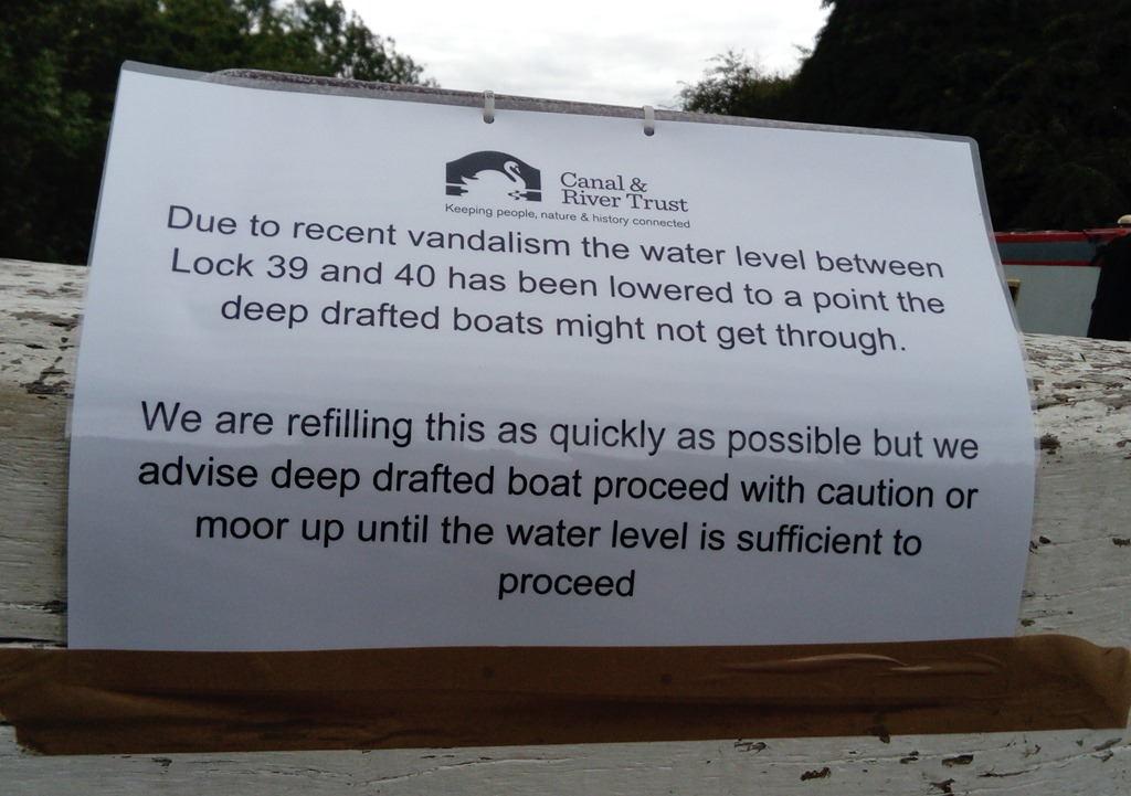 [2+crt+notice+re+low+water+at+brearley+lock%5B6%5D]