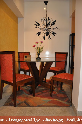 Dining table dress your dining table for Dressing a dining room table