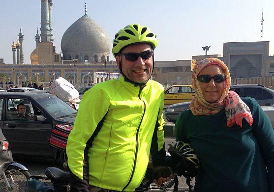 Chris & Miri am Fatima-al-Masumah-Schrein von Ghom