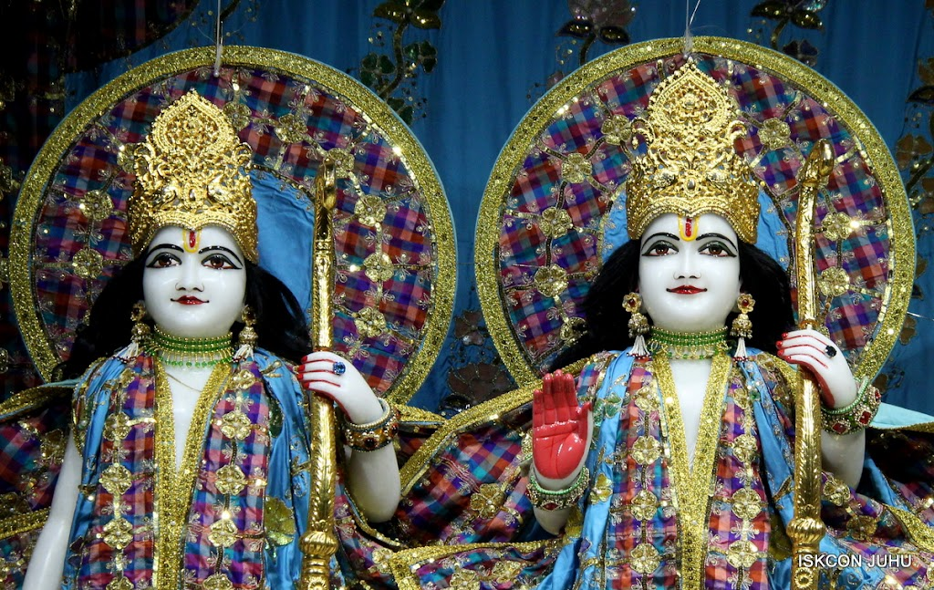 ISKCON Juhu Mangal Deity Darshan on 3rd May 2016 (11)