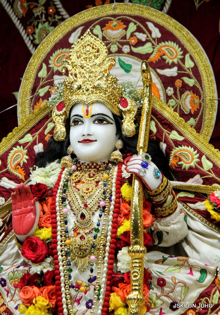 ISKCON Juhu Sringar Deity Darshan on 2nd Jan 2017 (32)