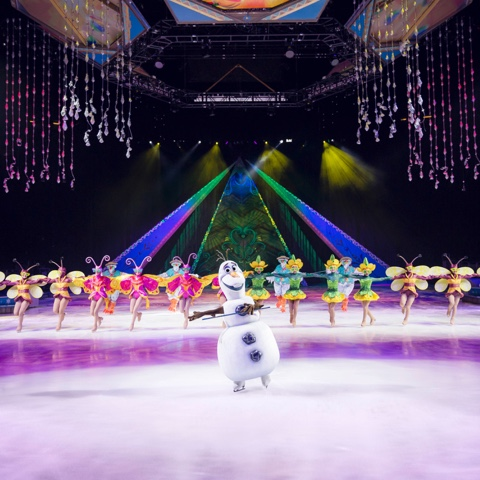 Disney Frozen on ice show olaf