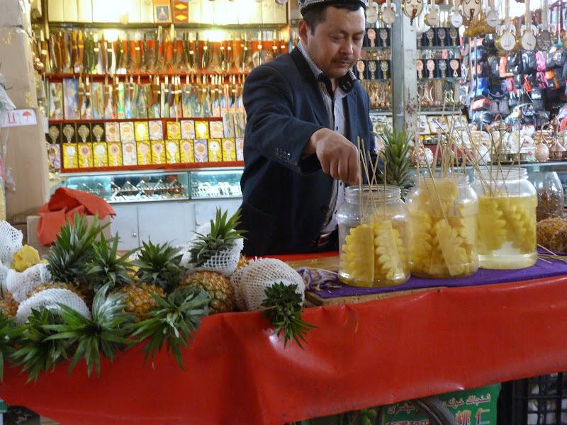 XINJIANG . Kasghar, le Grand Bazar - P1280390.JPG