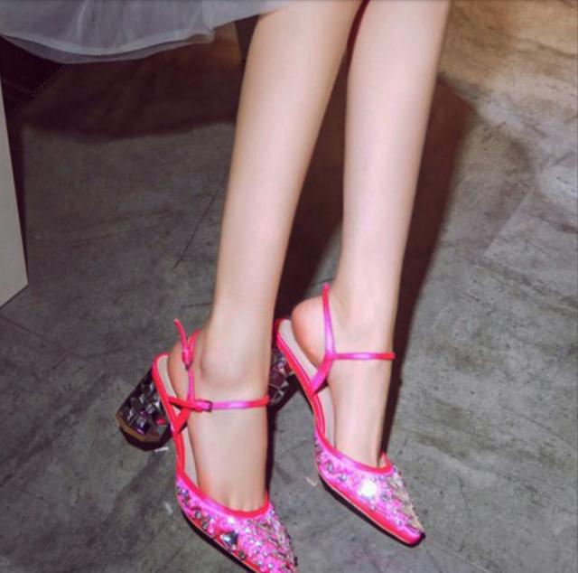 היכן מצאתי את נעלי סינדרלה שלי !!