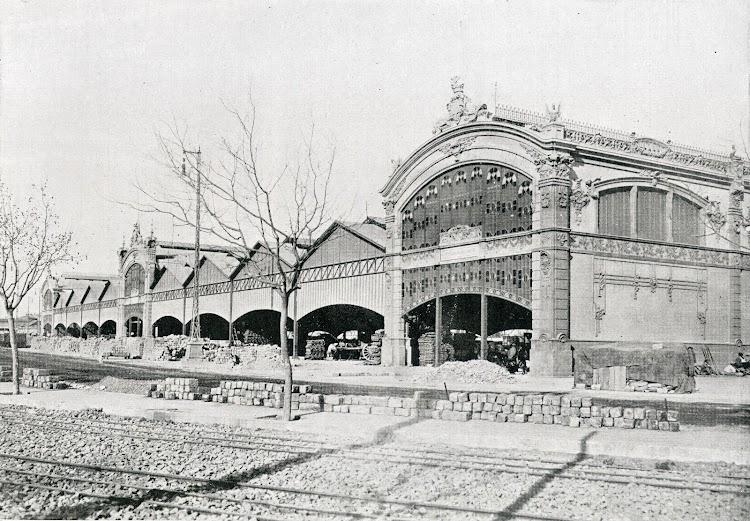 Deposito de mercancias Nº 5. Del libro Puerto de Valencia. Memoria Sobre el Progreso y Estado de las Obras durante el Año 1913.JPG