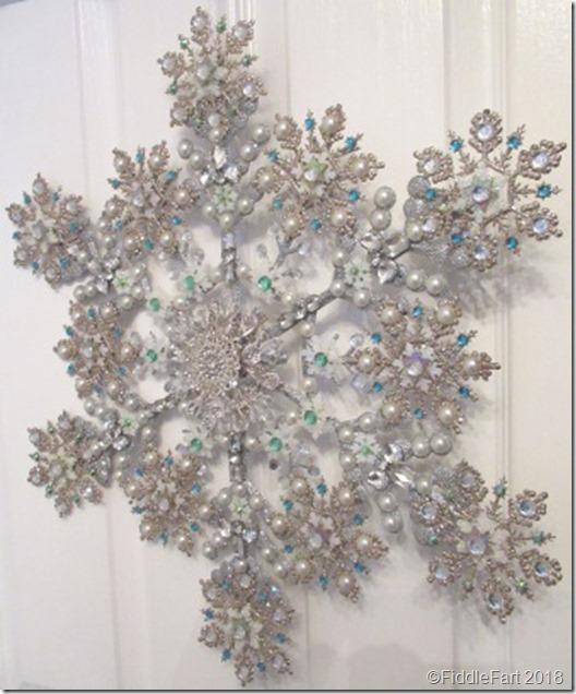 jewelled snowflake wreath 8